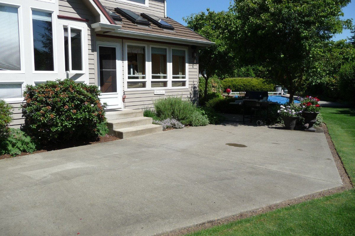 Puyallup Outdoor Patio - Before | Mike Schwartz Construction