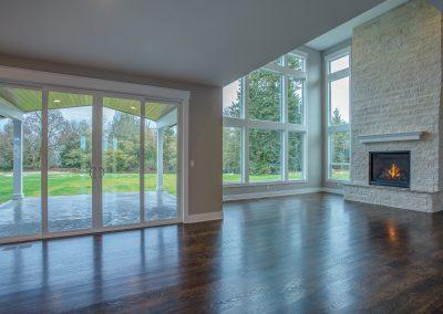 12 livingroom - fireplace