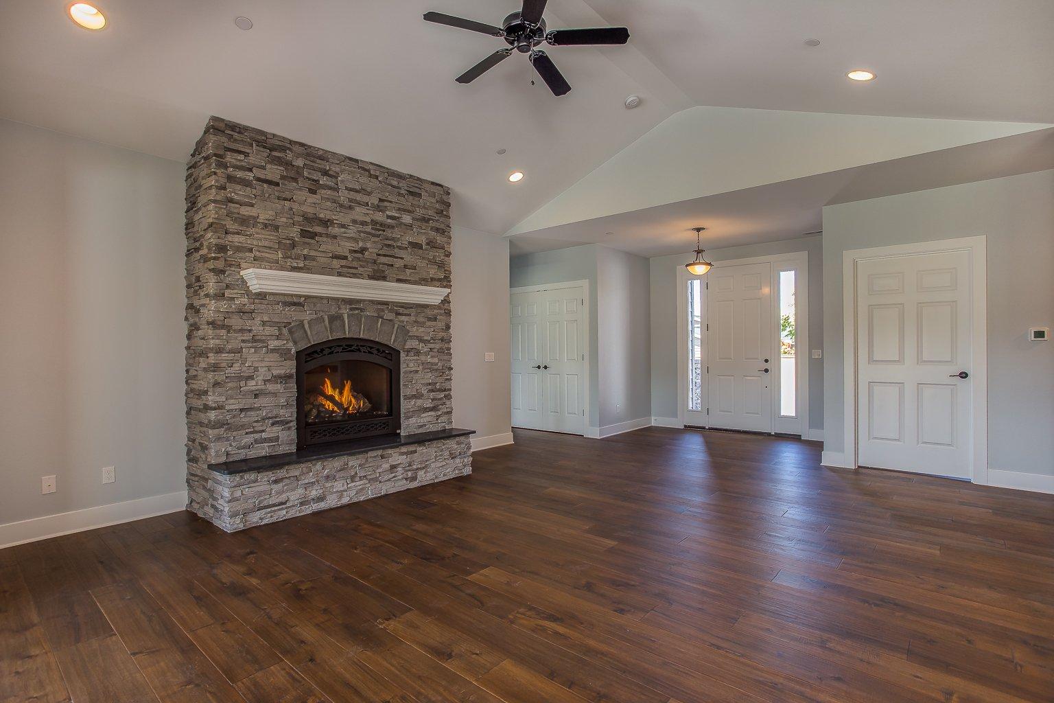 06 Fireplace Wright